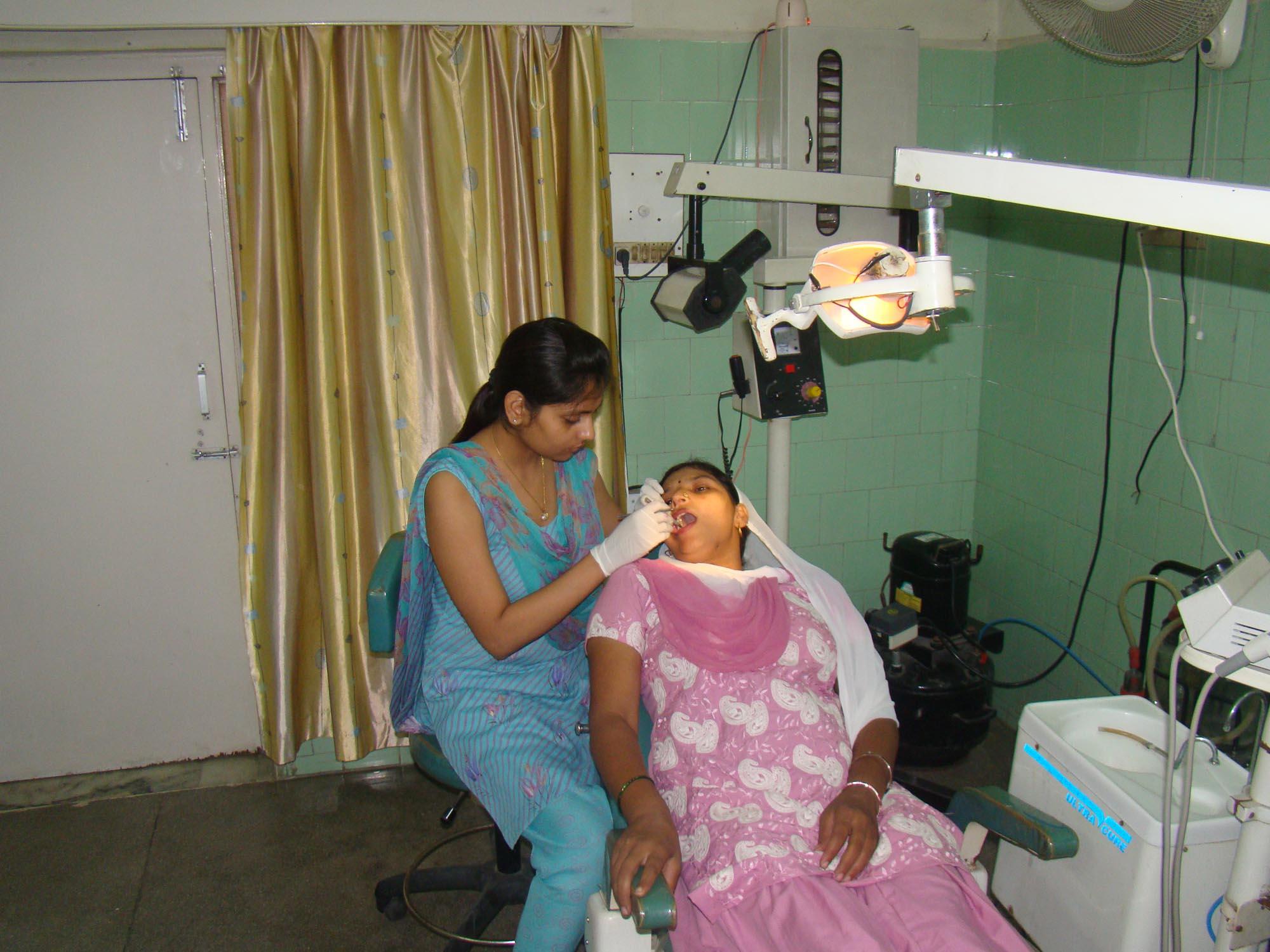 Dr. Parul Rana, dentist